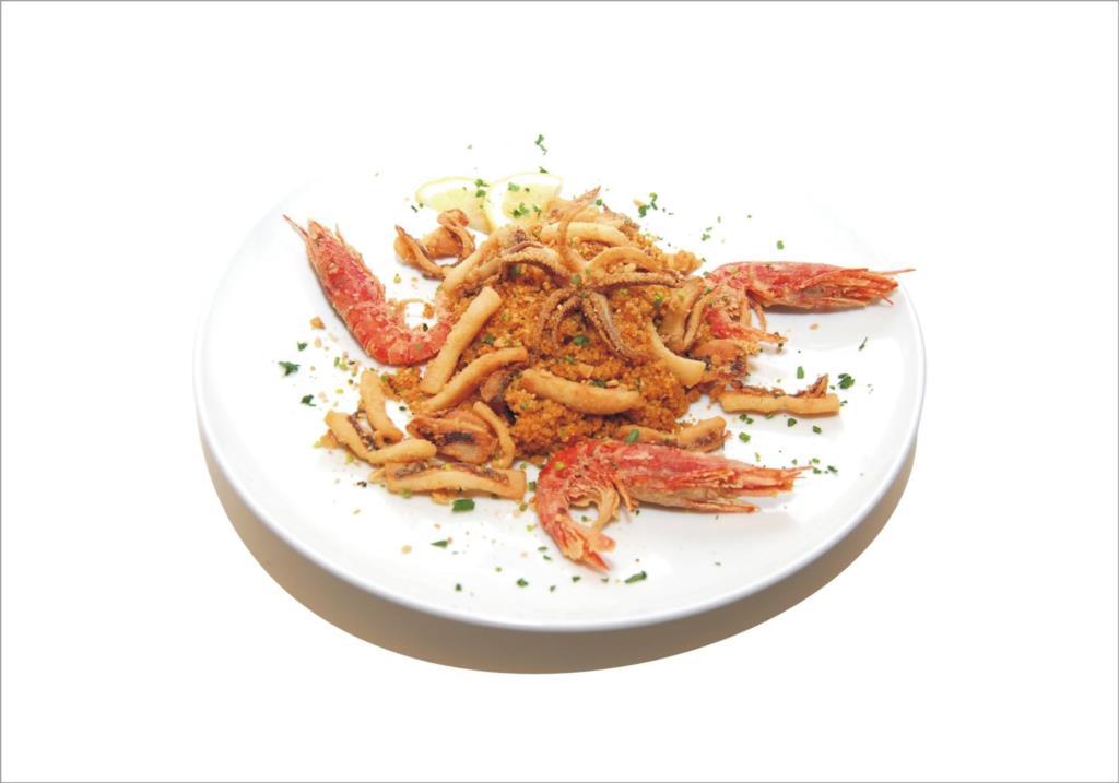 Cous Cous Mediterraneo con frittura di calamari, gamberi e cappuccetto